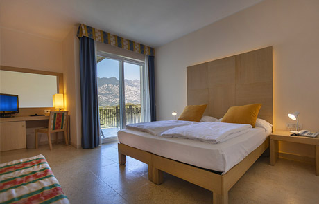 Double Room with Balcony in Hotel Garnì Orchidea in Malcesine